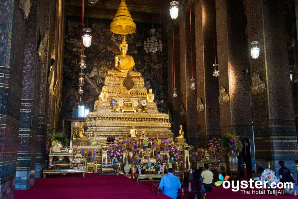Reclining Buddha Wat Pho in Bangkok, Thailand/Oyster