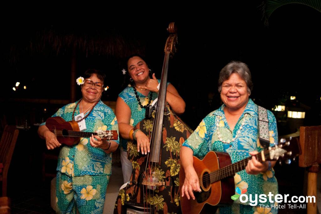 Duke's Canoe Club situé sur l'Outrigger Waikiki On The Beach propose des concerts tous les week-ends