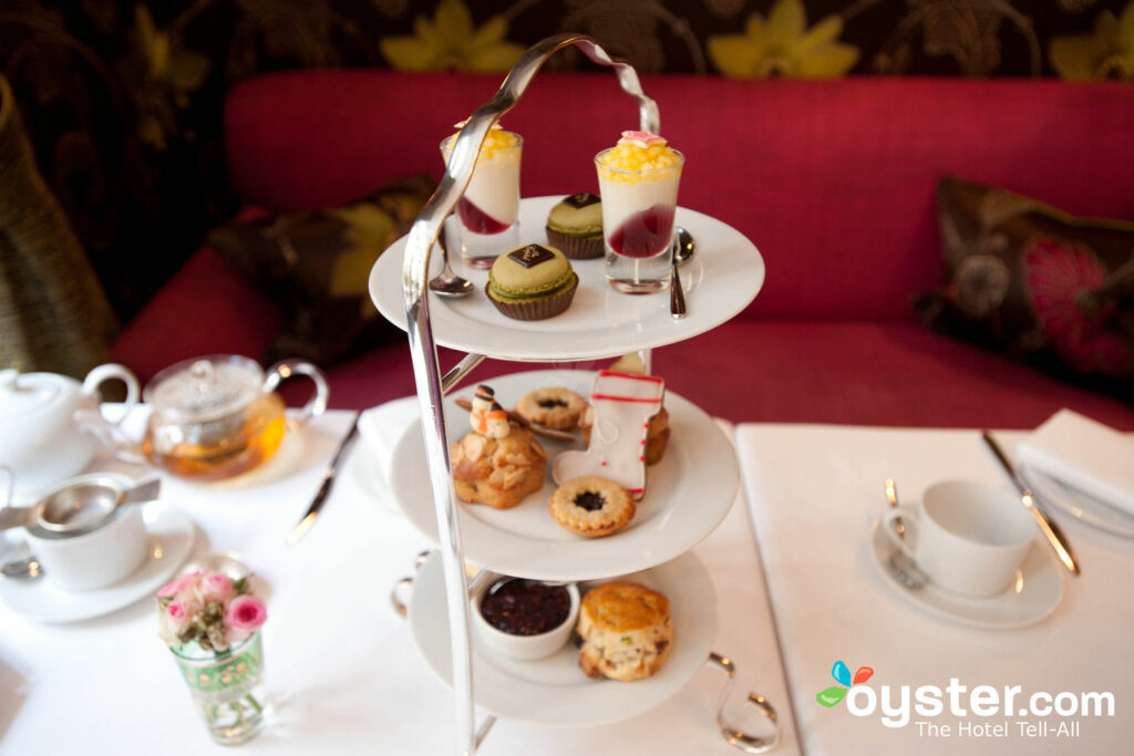Afternoon Tea/Oyster