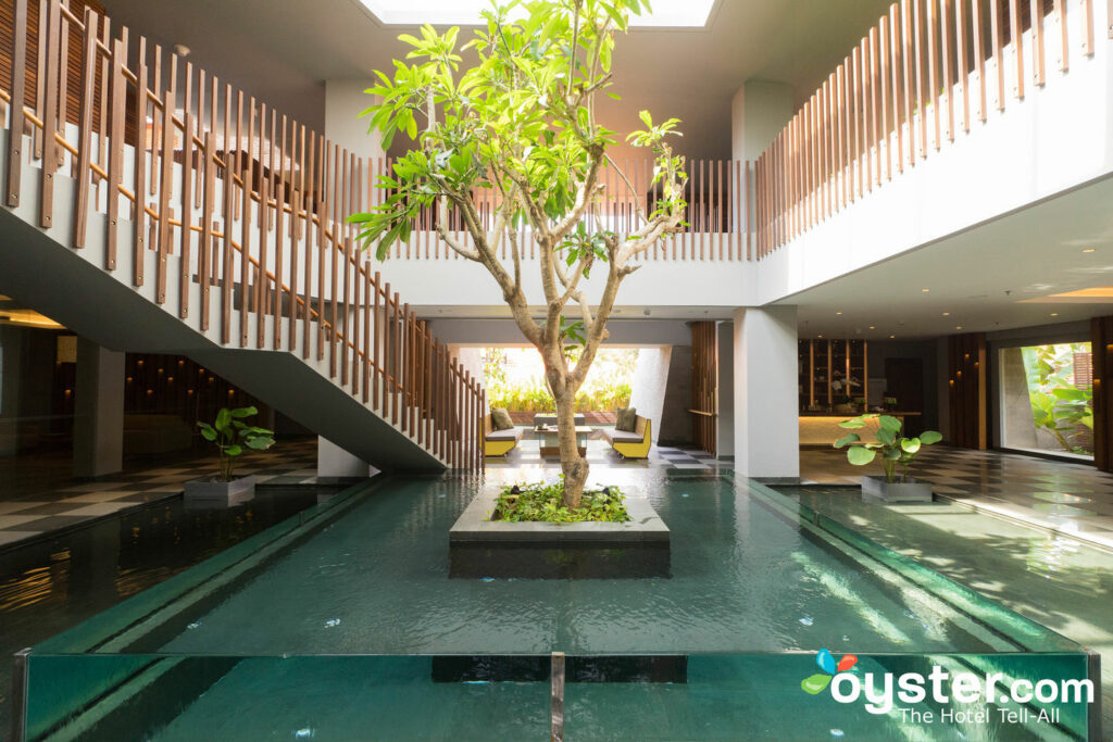 Maya Sanur Resort & Spa / Huître
