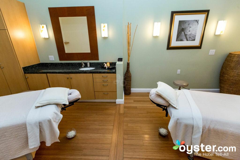 Spa-Behandlungsraum im Mokara Hotel & Spa / Oyster