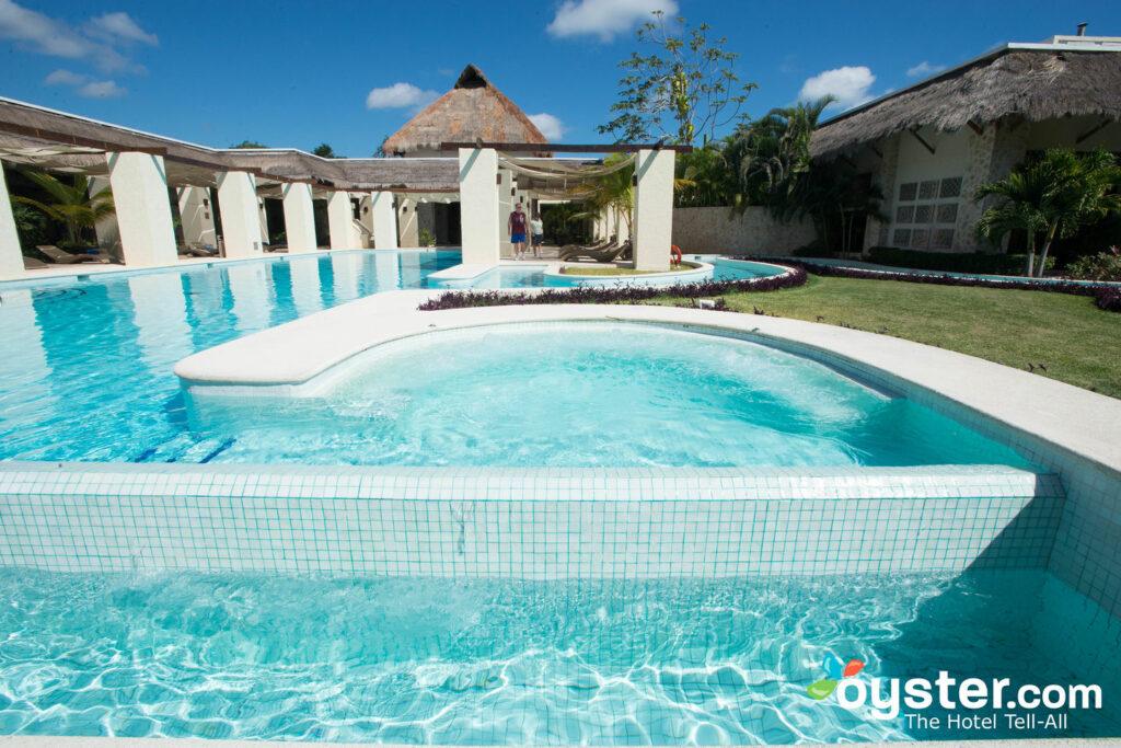 Grand Palladium Kantenah Resort & Spa Review: What To REALLY