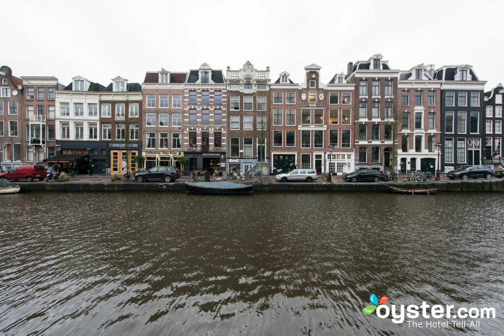 8 Awesome Canalside Hotels di Amsterdam