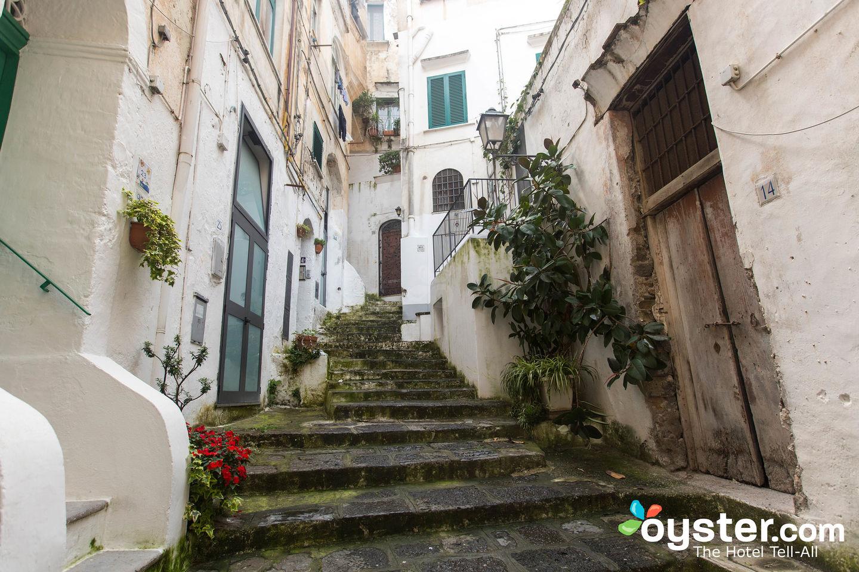 Street at Palazzo Ferraioli, Atrani/Oyster