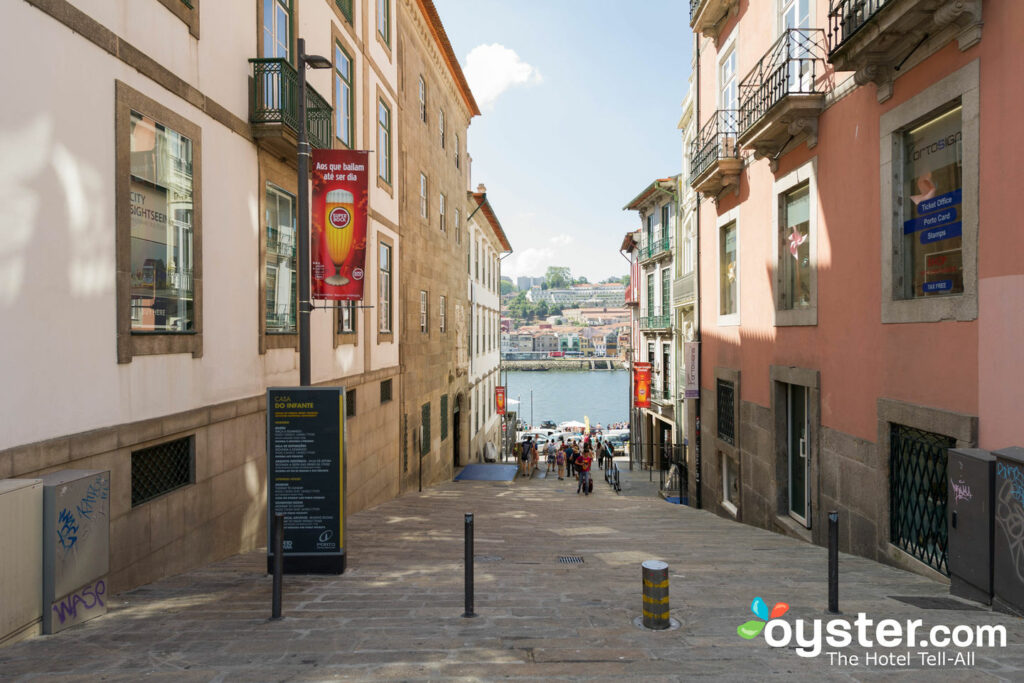 Vue depuis la maison Ribeira Porto Hotel / Oyster