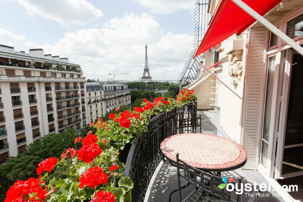 Deluxe Suite at Hotel Plaza Athenee/Oyster