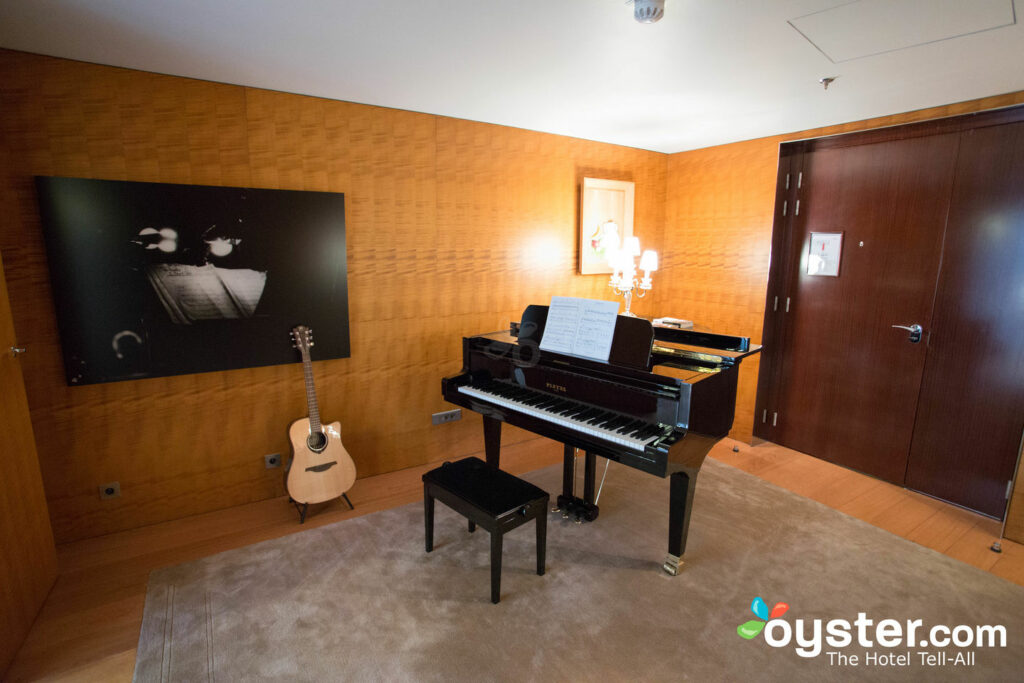 The grand piano is fitting, since Ray Charles lived in this suite for some time.
