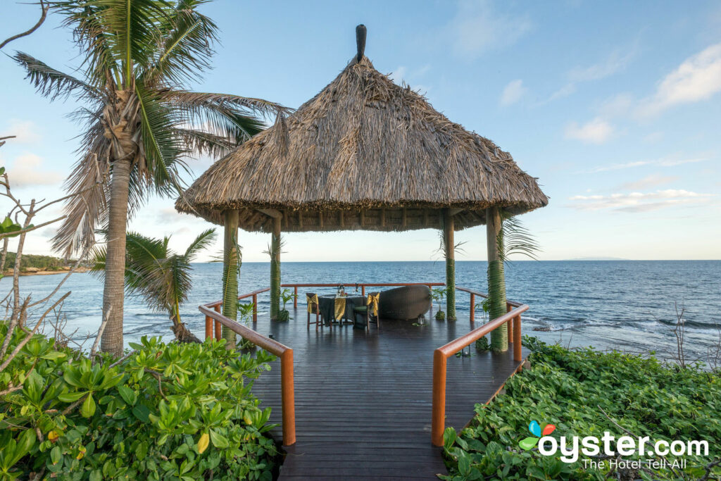 Sunset Dine Out en Namale the Fiji Islands Resort & Spa / Oyster