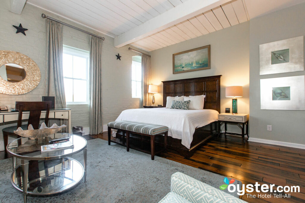 Stupendous Olde Harbour Inn Review Updated Rates Sep 2019 Oyster Com Download Free Architecture Designs Licukmadebymaigaardcom