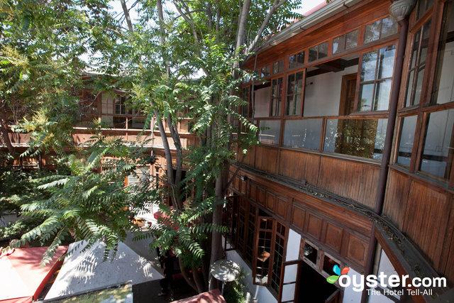 Onde ficar:Hotel del Patio é um hotel/hostel onde os hóspedes (incluindo muitos mochileiros) têm acesso ao pulsante bairro Bellavista. O bairro tem muitos bares e restaurantes autênticos.