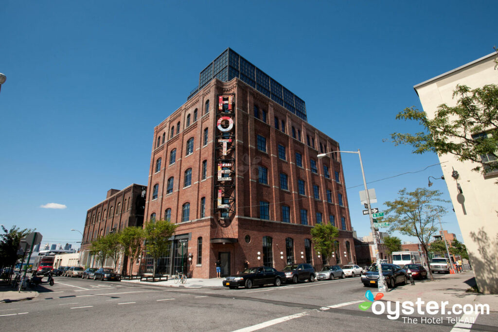 Exterior: The Historic Corner King Room At The Wythe