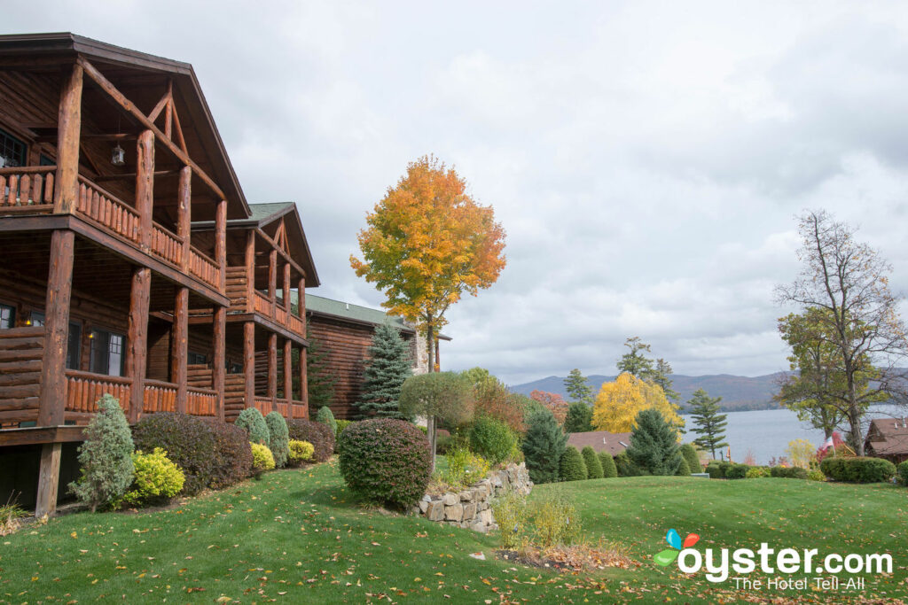 Fall foliage view at the Lodges at Cresthaven