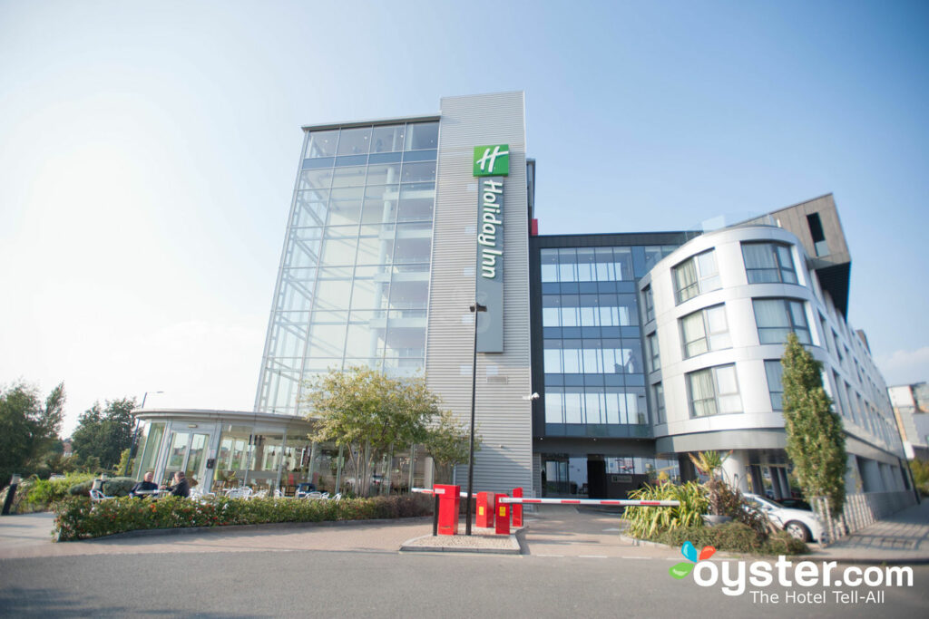 Holiday Inn London - West Review: What To REALLY Expect If You Stay