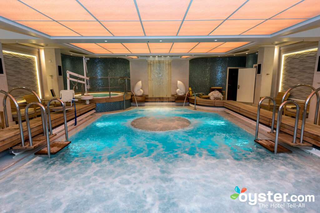 Therapiepool auf Queen Mary 2 / Oyster