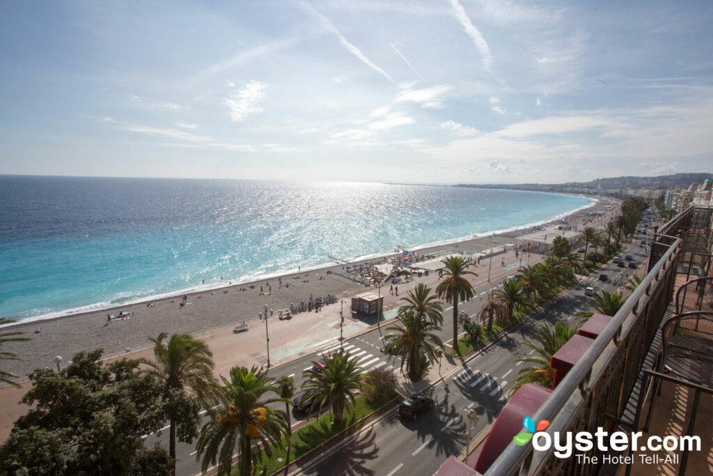 Praia Azul, Nice / Oyster