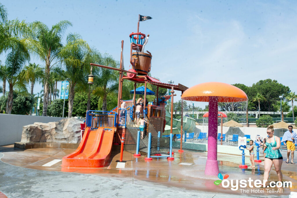 Parque acuático en el Howard Johnson Anaheim Hotel and Water Playground