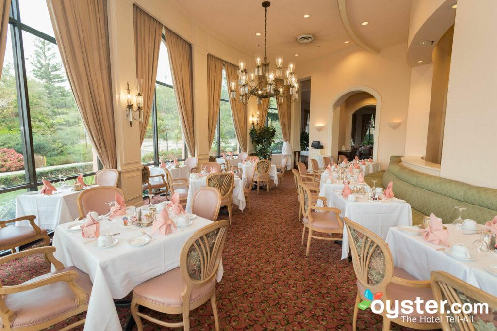 Fairmont Southampton Beach Spa Golf Resort Review