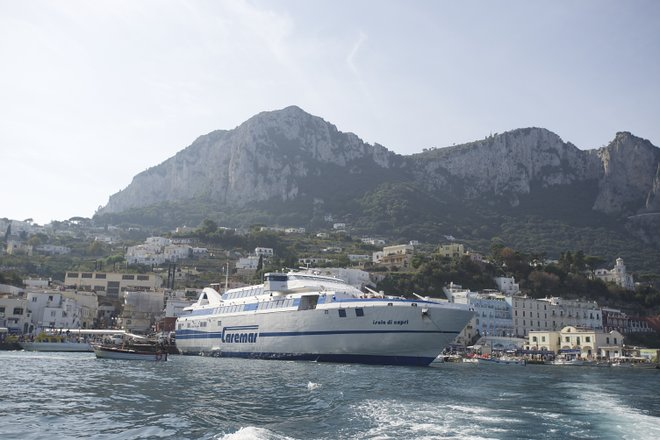 Ferry in Amalfi Coast/Lara Grant