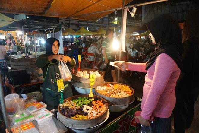 Krabi Weekend Night Market/Oyster