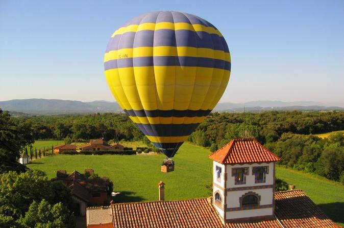 Hot-Air Balloon Flight Over Catalonia With Pick-up From Barcelona/Viator