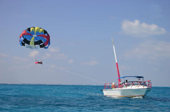 Cancun Parasailing Adventure/Viator