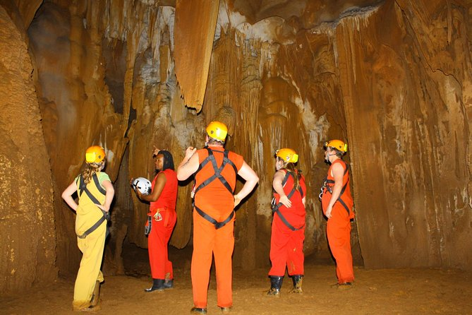 Fun Fun Cave Tour / Viator