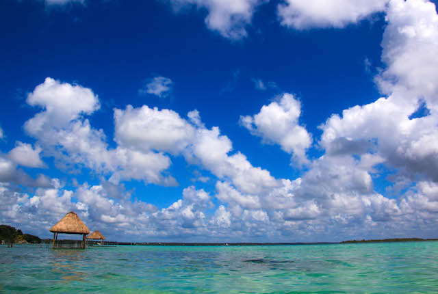 Lake Bacalar (Laguna de Bacalar); Damon Yeh/Flickr