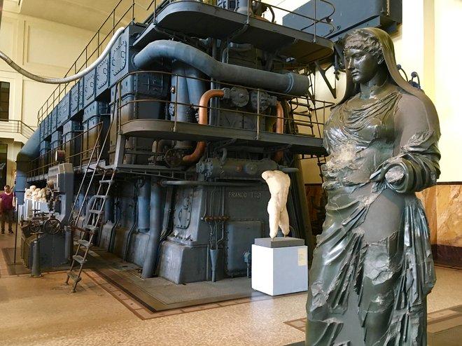 Esculturas de Centrale Montemartini / Kyle Valenta