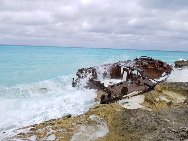 Schiffbruch in Bimini / Katherine Alex Beaven