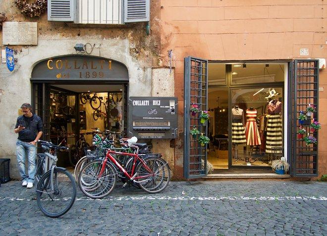 Regola's Side Streets, Rome