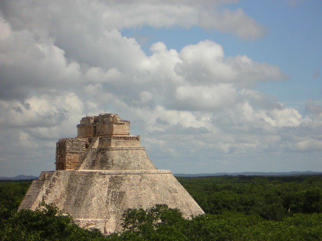Uxmal; r345678 / Flickr