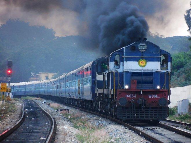 Tren en la India; Belur Ashok, Flickr