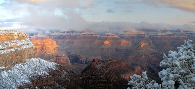 Grand Canyon ao nascer do sol; Michael Quinn via Parque Nacional do Grand Canyon / Flickr