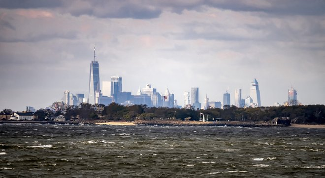 Horizonte de Manhattan desde Sandy Hook; James Loesch / Flickr