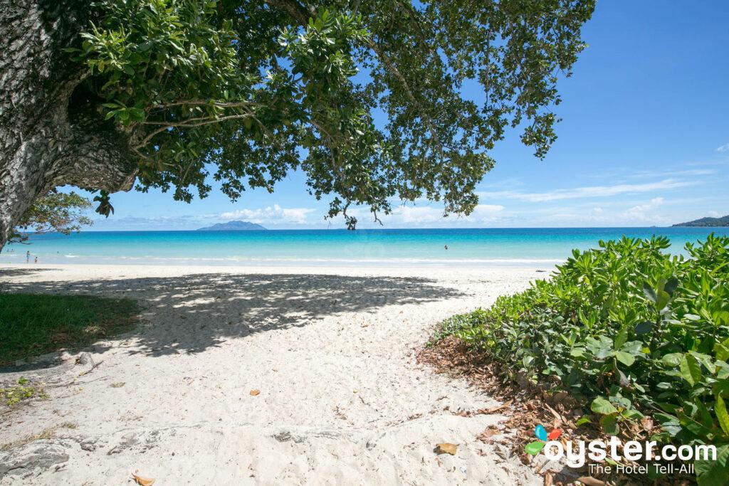 Strand im Berjaya Beau Vallon Bay Resort & Casino - Seychellen