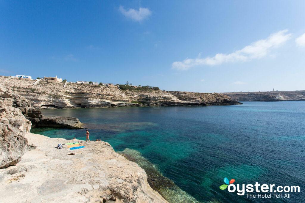 Spiaggia all'Hotel i Dammusi di Borgo Cala Creta, Lampedusa