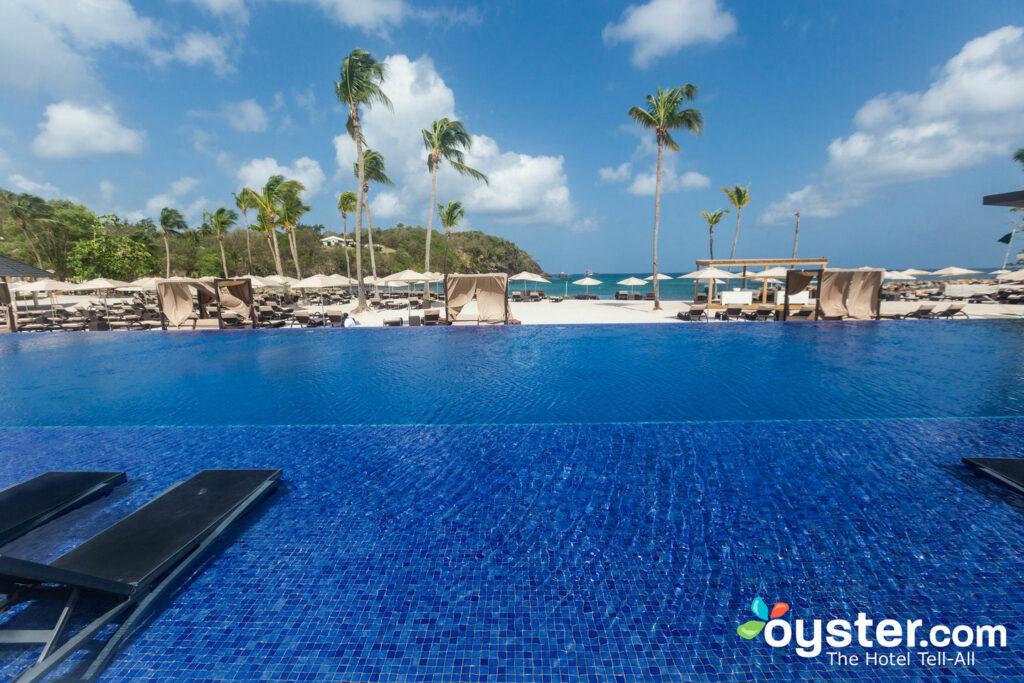 Pool am Strand von Royalton Saint Lucia