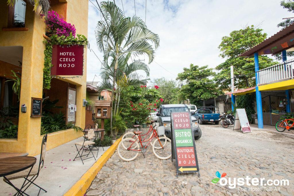Hotel Cielo Rojo a San Pancho / Oyster
