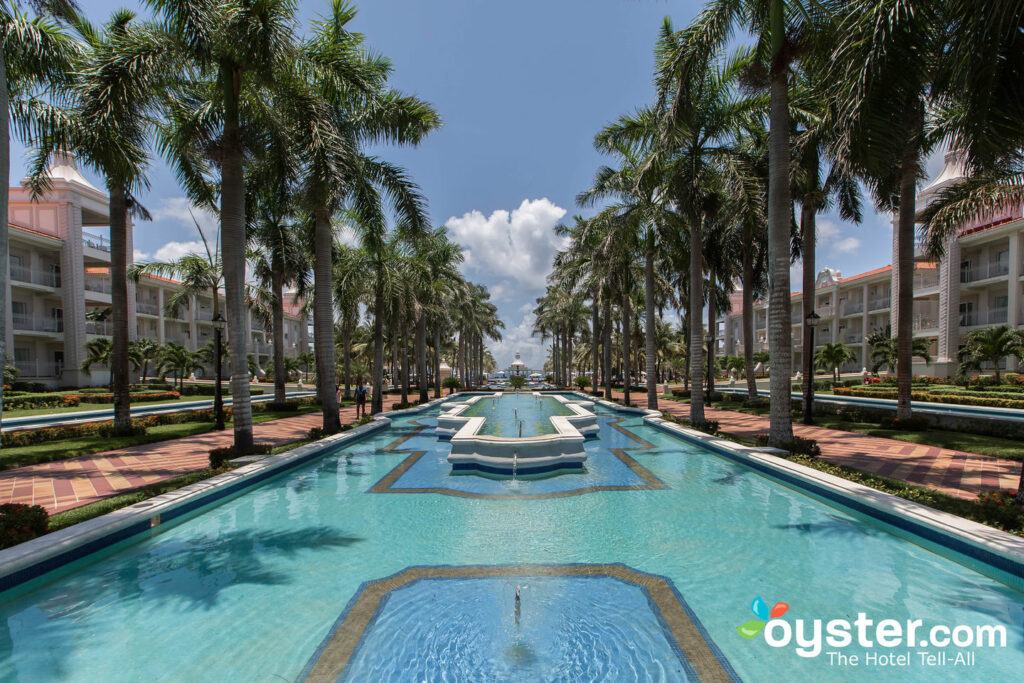 Grounds at Hotel Riu Palace Riviera Maya All Inclusive Resort
