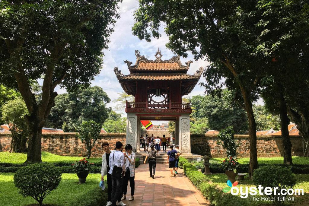 Templo de la literatura, Hanoi / Oyster