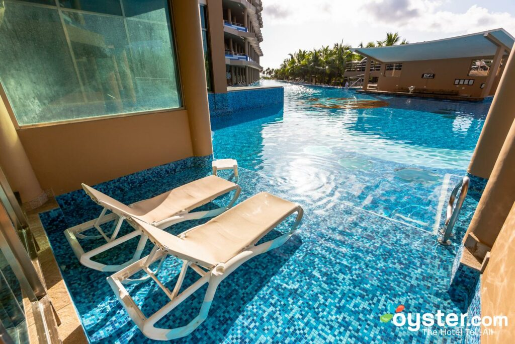 The Oceanfront Pool Swim-Up Suite at El Dorado Seaside Suites/Oyster
