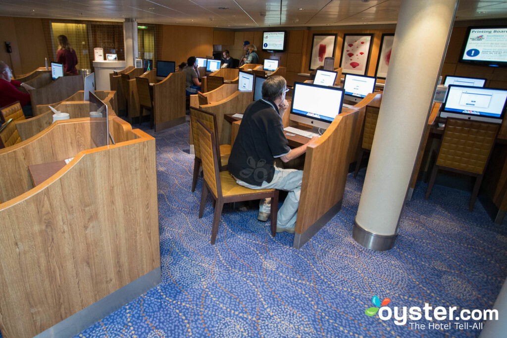 Internet Cafe no Celebrity Solstice, Celebrity Cruises