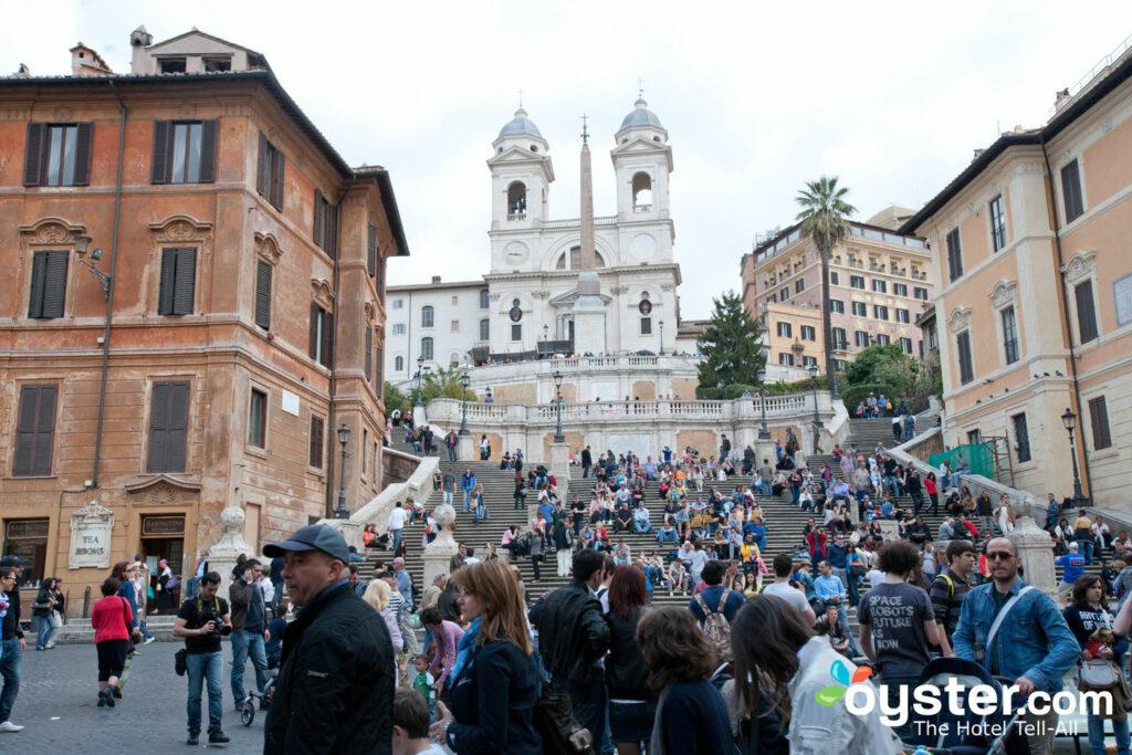 Roma, la Plaza de España / Oyster