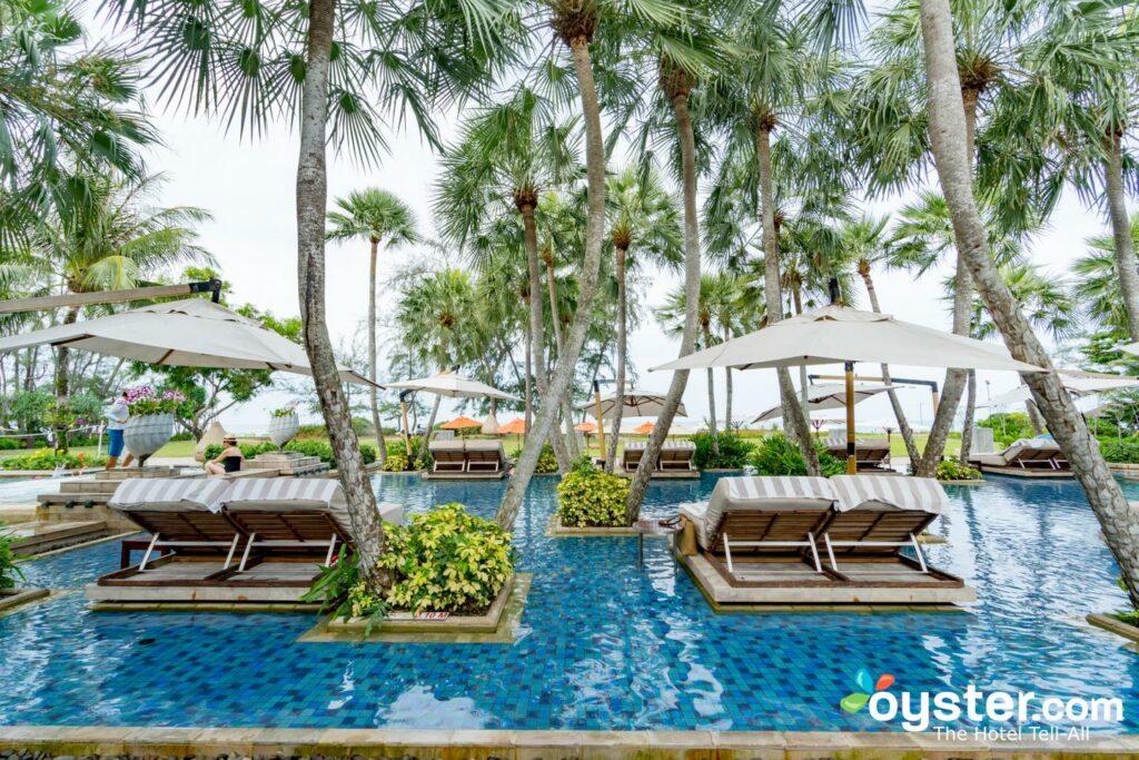 Pool in den Anantara Mai Khao Phuket Villen