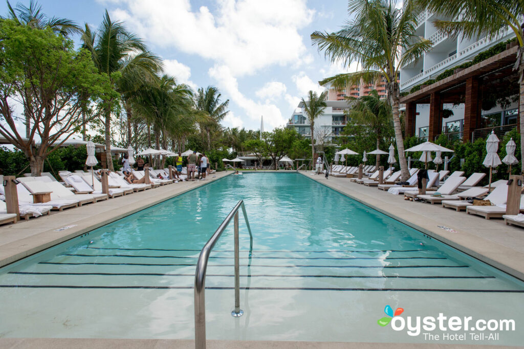 Pool im Miami Beach EDITION