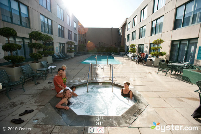 The jacuzzi at the Hyatt at Fisherman's Wharf is family-friendly.