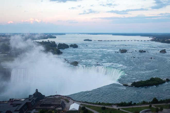 Niagara Falls Hotels >> Niagara Falls Hotels With The Best Views Oyster Com