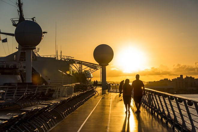 The Sun Deck en Adventure of the Seas / Oyster