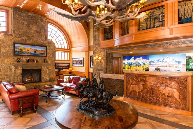 Lobby at the Wyoming Inn of Jackson Hole/Oyster