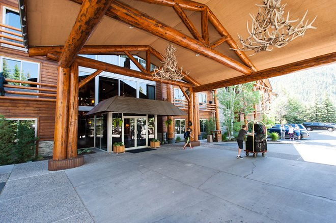 Entrance at The Lodge at Jackson Hole/Oyster